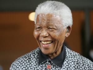 Dilma irá ao funeral de Mandela na África do Sul