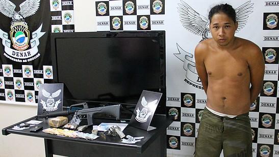 Polícia fecha boca de fumo e prende traficante no Itamaracá