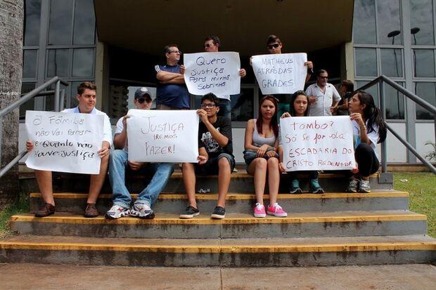 Família e amigos pedem justiça no caso Giovanna