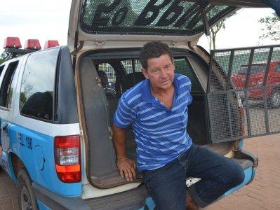 Após ser flagrado dirigindo alcoolizado, homem tenta subornar policiais