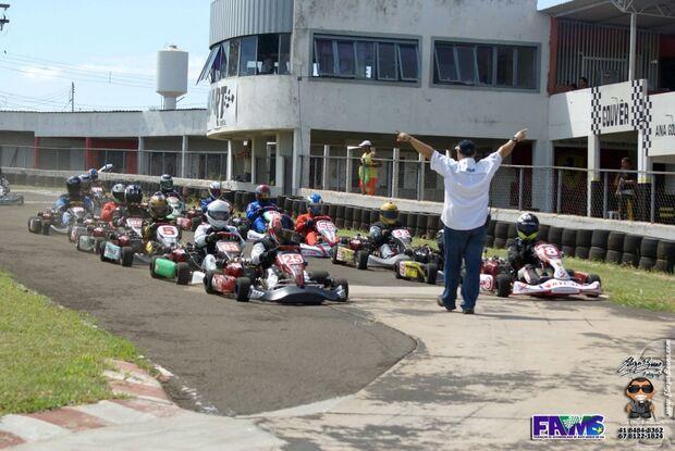 Começa neste fim de semana temporada de Kart 2014 na Capital