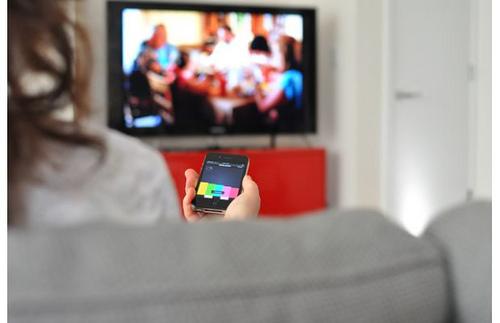 TV ainda lidera na preferência popular, mas Internet é o meio que mais cresce