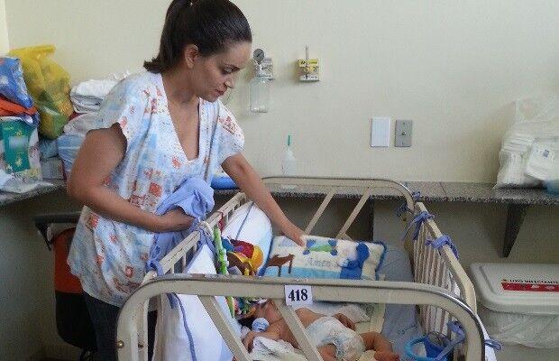 Mãe quer doar bebê com doença rara e diz 'Não tenho condição'