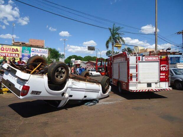 Em 20 minutos dois acidentes são registrados em avenida de Dourados