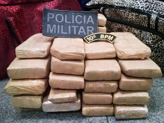 Polícia Militar apreende adolescente com mais de 17kg de maconha