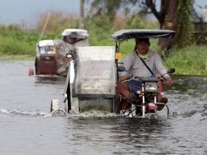 Tufão Haiyan mata uma pessoa e deixa 125 mil desabrigados nas Filipinas
