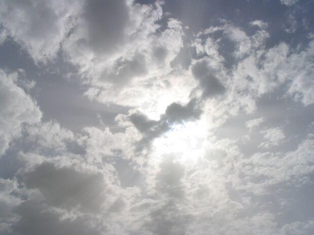 Previsão para a Capital é de Sol com pancadas de chuva