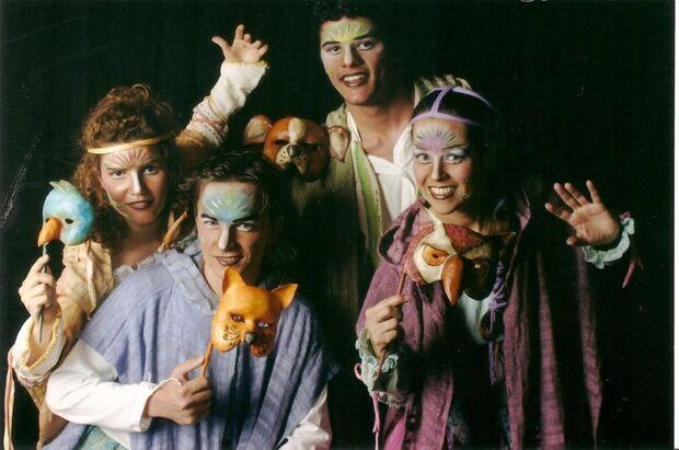 Trovadores do Tempo celebra 15 anos de histórias no palco