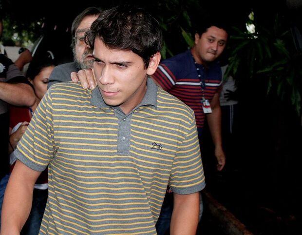 Juíza emite mandado de prisão preventiva a acusado de espancar jovem na Capital