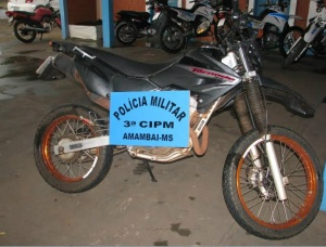 Polícia de Dourados apreendem motocicleta roubada