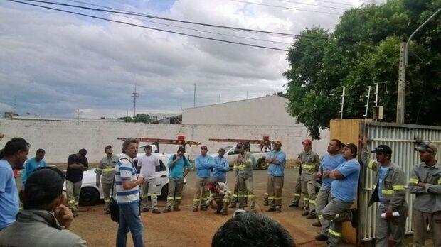 Após negociação de dois meses, trabalhadores suspendem paralisação