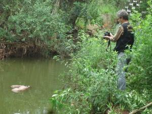 Corpo de homem é encontrado boiando em lago