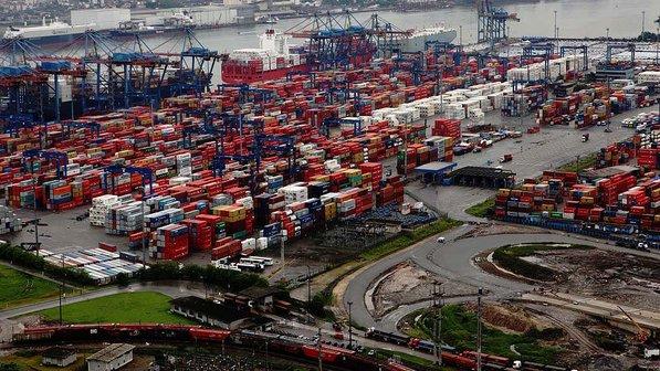 Agendamento tenta evitar caos no escoamento da safra em Santos