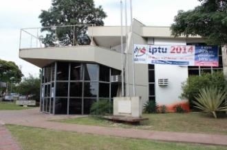 Contribuintes aproveitam plantão no fim de semana para pagar IPTU com desconto