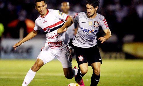 São Paulo e Corinthians se enfrentam neste domingo