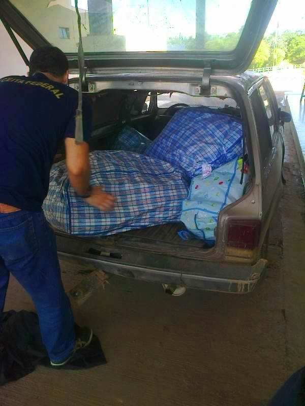 PM apreende mais de 300 quilos de mercadorias contrabandeada