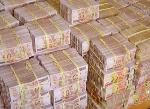 Aposta mínima na Mega-Sena é de R$ 2 e pode ser feita até as 19 horas, horário de Brasília