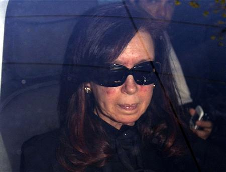 Kirchner recebe alta, mas retorno ao trabalho será decidido na segunda