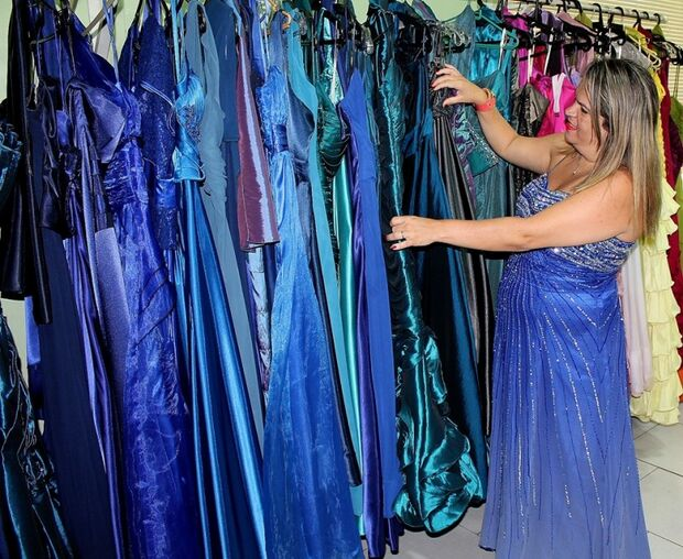 Chegou a época que as formandas ficam à procura do vestido perfeito