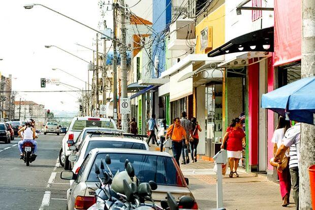 Comerciantes cobram ação da prefeitura sobre revitalização da 14 de julho