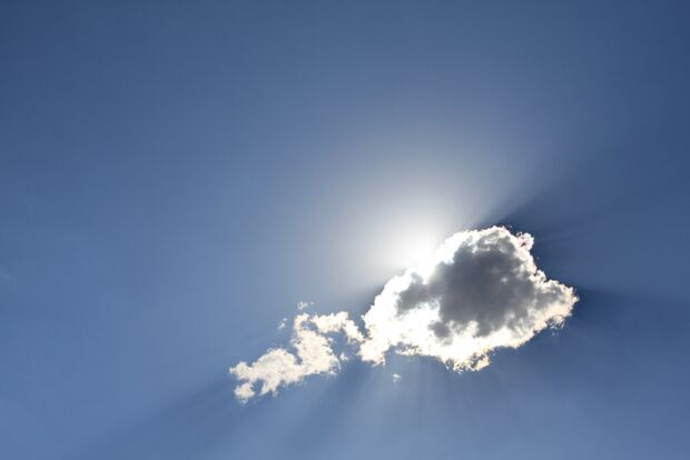 Sol com nuvens neste domingo em Campo Grande