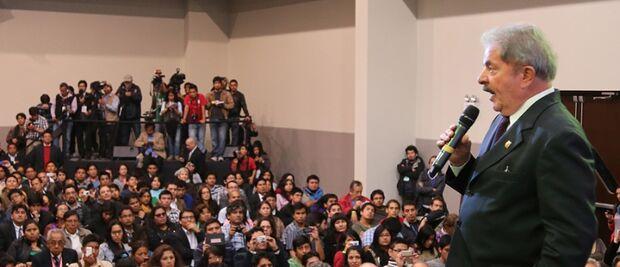 Lula diz que desafio do PT é discursar para juventude