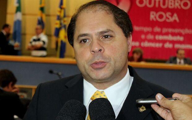 Mario Cesar vai aguardar até próxima semana para decidir se fará nova eleição