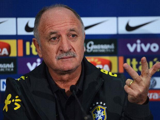 Felipão chama Fernandinho e Rafinha para jogo contra a África