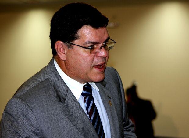 Vereadores estão divididos sobre cassação de Alcides Bernal