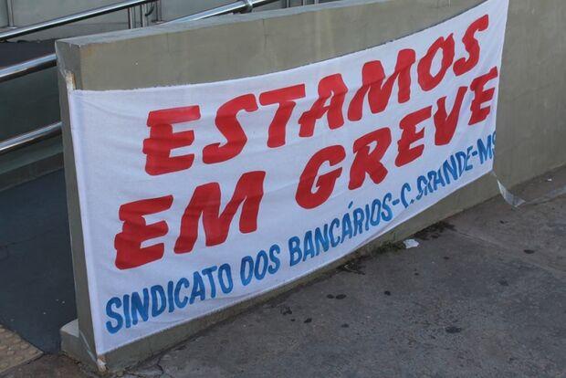 Bancários entram em acordo com Fenaban e greve pode chegar ao fim