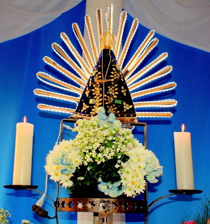 Católicos se preparam para comemorar o dia da padroeira