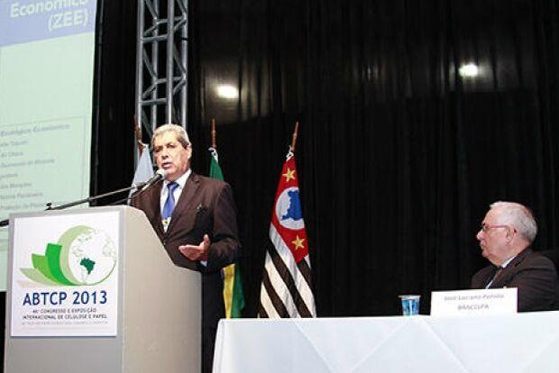 Ribas do Rio Pardo receberá fábrica de celulose em 2014