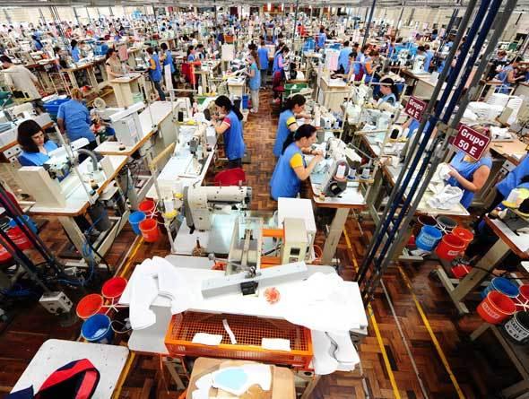 Empregos na indústria registram queda pelo quarto mês consecutivo