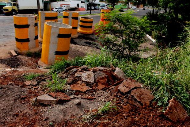 Moradores do Santo Antônio reclamam do perigo causado por erosão no córrego Cerradinho