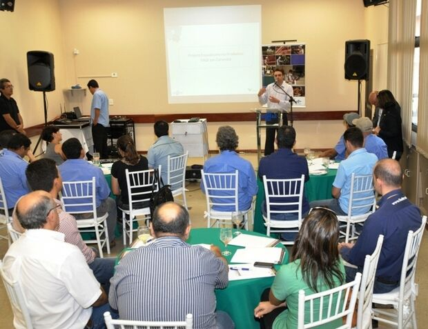 Empresários de Corumbá recebem certificado Vale Sebrae
