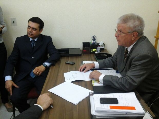 Bernal entrega atestado médico para não ir à oitiva da Comissão Processante