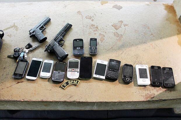 Soldados do exército são presos praticando assaltos com arma de brinquedo
