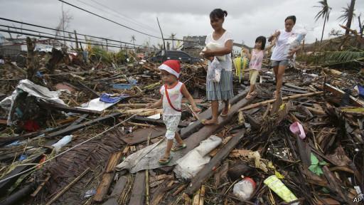 Isolamento impede acesso a vítimas nas Filipinas, diz Cruz Vermelha