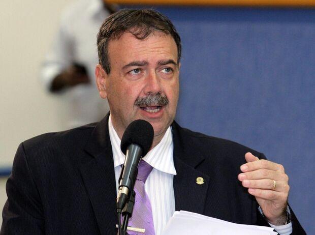 Siufi afirma que continuará na oposição mesmo depois de conseguir três cedências da Prefeitura