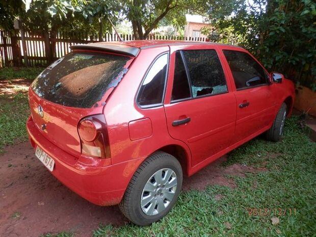 Taxista tem carro alvejado a balas em Paranhos