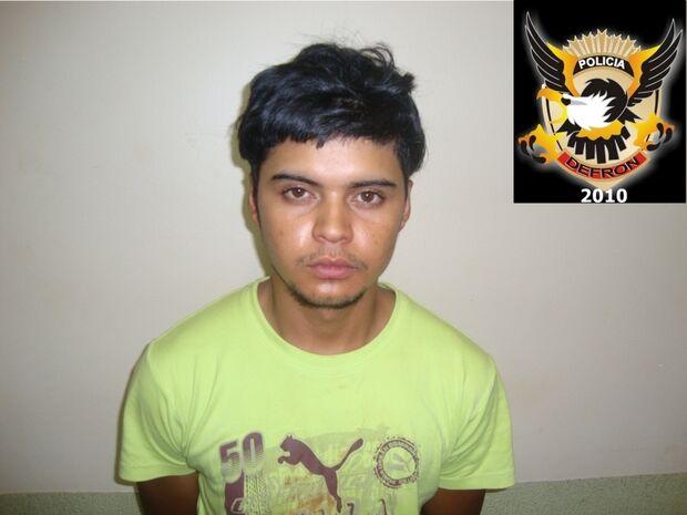 Rapaz é preso acusado de atear fogo em homem durante festa