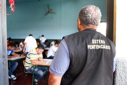 Mais de dois mil alunos foram matriculados em escolas instaladas presídios