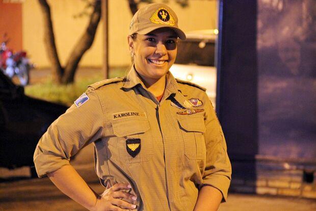Capitã do Corpo de Bombeiros, ela é 'ponta firme', mas mantém a sensibilidade