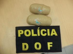 Mulher é presa pela DOF com 410 drogas nas partes íntimas