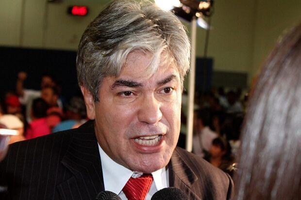 Alex do PT dá 'piti' para liberar secretária sem identificação