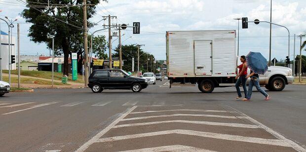 Contrariando Agetran, população reclama da falta de manutenção das vias públicas da Capital