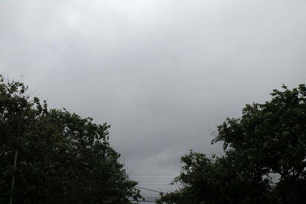 Tempo vira e chuva chega mais cedo na Capital