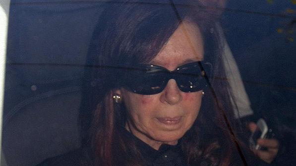 Cristina Kirchner recebe alta cinco dias após cirurgia na cabeça