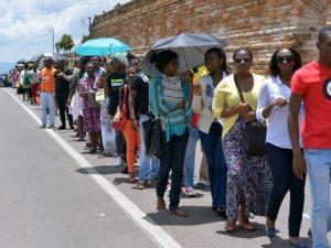 Mais de 20 mil pessoas são esperadas no último dia de funeral de Mandela