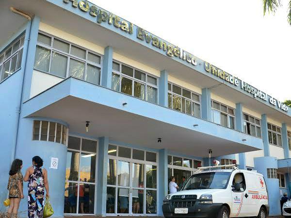 Enfermeiros do Hospital Evangélico de Dourados suspendem greve